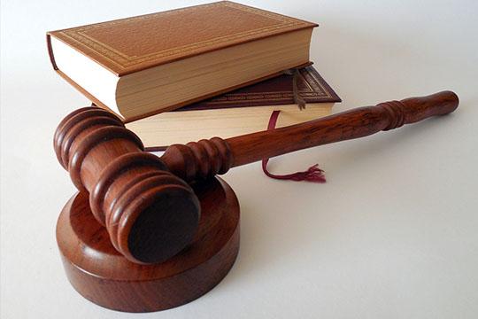 jak uzyskać wyrok sądu